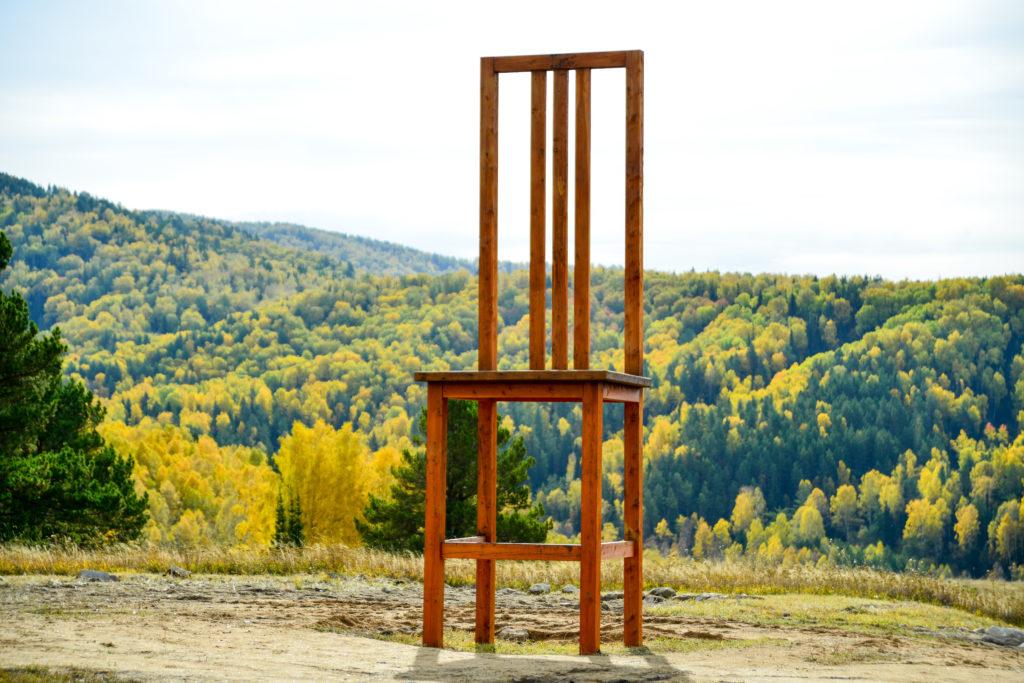 Гигантский стул